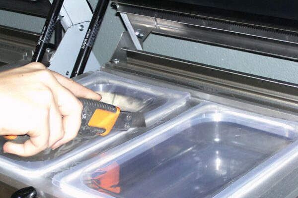 Traysealer do pakowania tacek lavezzini VG 800 LCD-3742