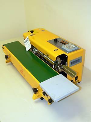 Zgrzewarka stałocieplna z taśmociągiem FRBM-810IM-2279