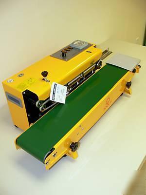 Zgrzewarka stałocieplna z taśmociągiem FRBM-810IM-2282